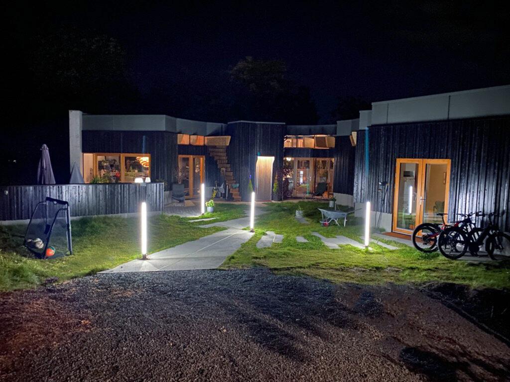 En arkitekttegnet enebolig med smart-hus løsninger